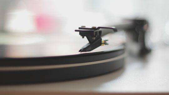 L'histoire de la musique : Des grognements aux guitares