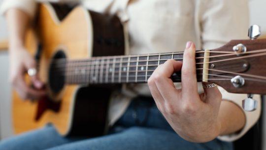 Quand changer ses cordes de guitare ?